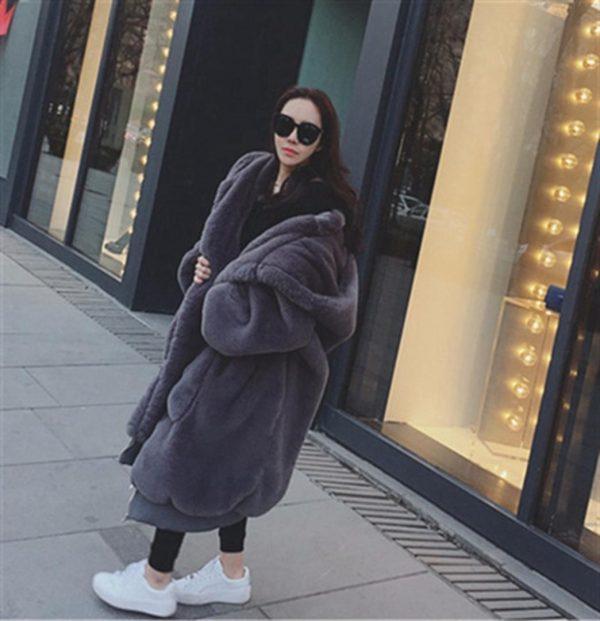2019 Winter Faux Fur Long Coat Women Thick Warm Fluffy Oversized Hooded Coats Overcoat Female Loose Plush Fur Jackets Outerwear