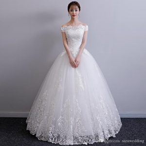Bateau Neck Lace Tulle Ball Gown Wedding Dresses with Appliques 2018 Short Sleeves Bridal Gowns Lace Up