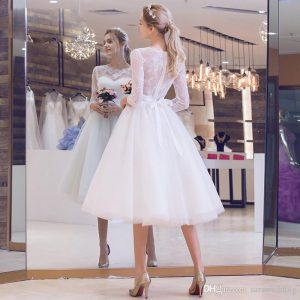 Tulle Ball Gown Wedding Dresses with Half Sleeves 2019 Knee Length Bridal Gowns Lace Appliques vestido branco